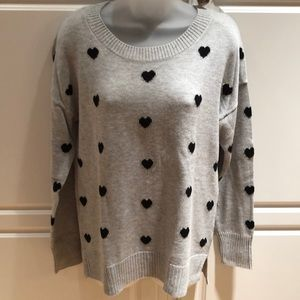 NWT Gap heather gray and black hearts. Size small